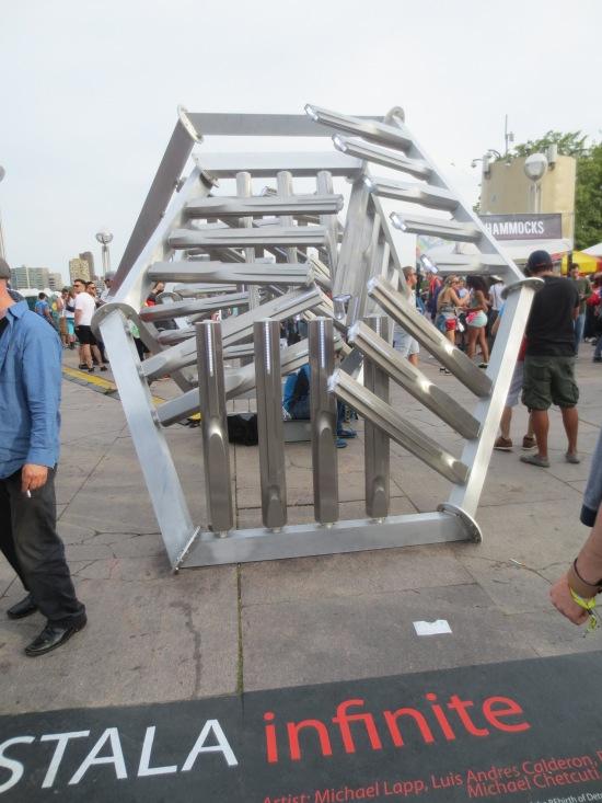 Stala Infinite sculpture