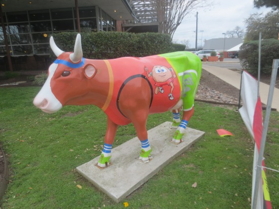 cow sculpture outside Schlotzky's