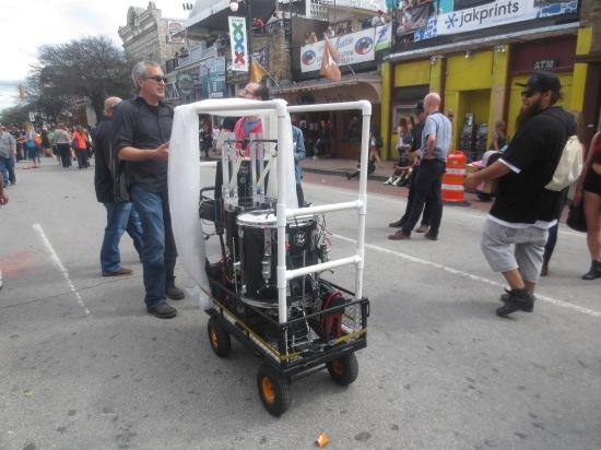 robot drummer on 6th St.