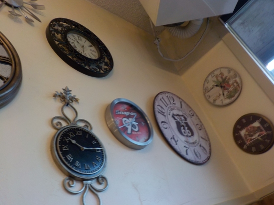 the restaurant I stopped at for breakfast had tons of clocks on the wall